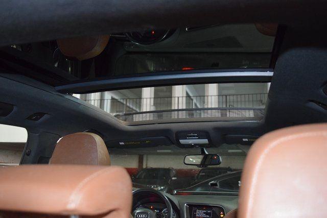 2011 Audi Q5 3.2L Prestige Richmond Hill, New York 35