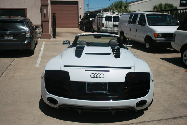2011 Audi R8 V10 Convt 5.2L Houston, Texas 16