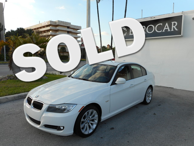 2011 BMW 328i 328i NEW TIRES and LEATHER Come to the experts All the right ingredients Are