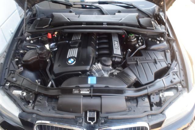 2011 BMW 328i 4dr Sdn 328i RWD South Africa Richmond Hill, New York 17