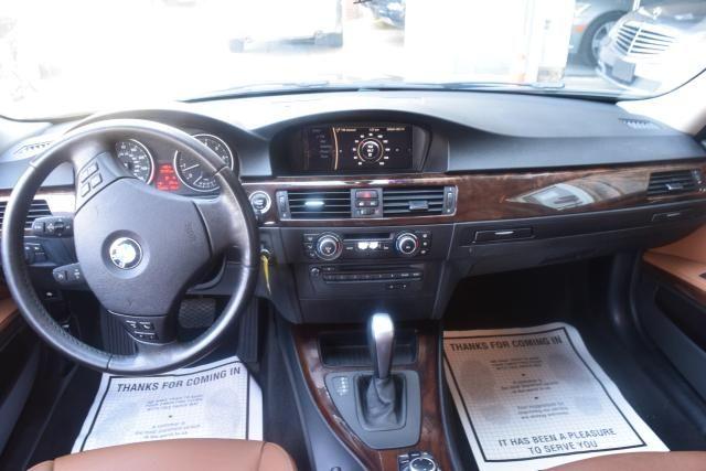 2011 BMW 328i 4dr Sdn 328i RWD South Africa Richmond Hill, New York 9