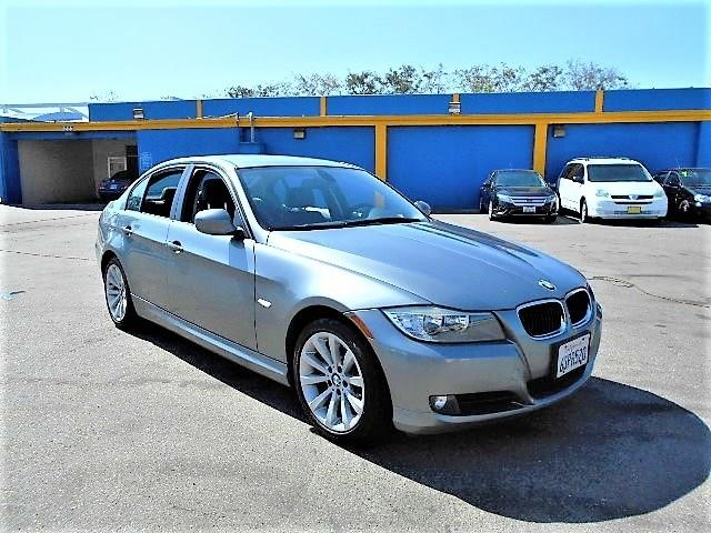 2011 BMW 328i I SULEV Limited warranty included to assure your worry-free purchase AutoCheck repo