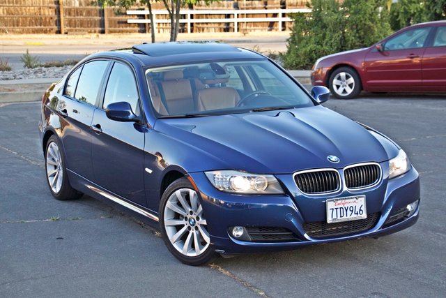 2011 BMW 328i SEDAN PREMIUM PKG ONLY 78K MLS AUTO SERVICE RECORDS Woodland Hills, CA 8