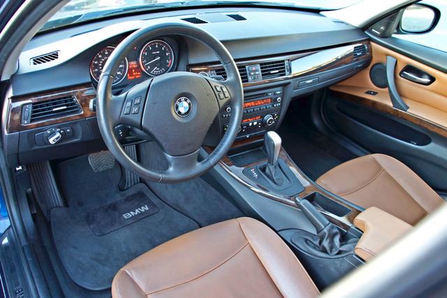2011 BMW 328i SEDAN PREMIUM PKG ONLY 78K MLS AUTO SERVICE RECORDS Woodland Hills, CA 13