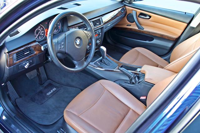 2011 BMW 328i SEDAN PREMIUM PKG ONLY 78K MLS AUTO SERVICE RECORDS Woodland Hills, CA 14