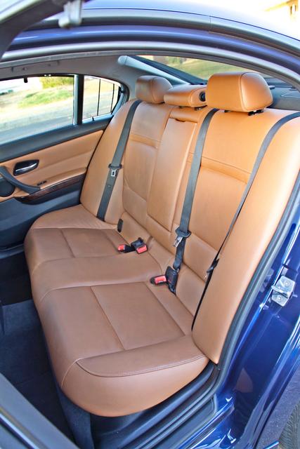 2011 BMW 328i SEDAN PREMIUM PKG ONLY 78K MLS AUTO SERVICE RECORDS Woodland Hills, CA 31