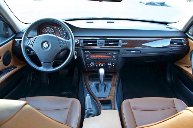 2011 BMW 328i SEDAN PREMIUM PKG ONLY 78K MLS AUTO SERVICE RECORDS Woodland Hills, CA 18