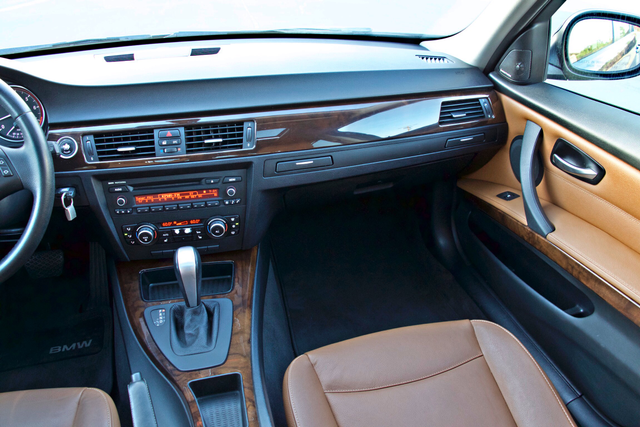 2011 BMW 328i SEDAN PREMIUM PKG ONLY 78K MLS AUTO SERVICE RECORDS Woodland Hills, CA 20