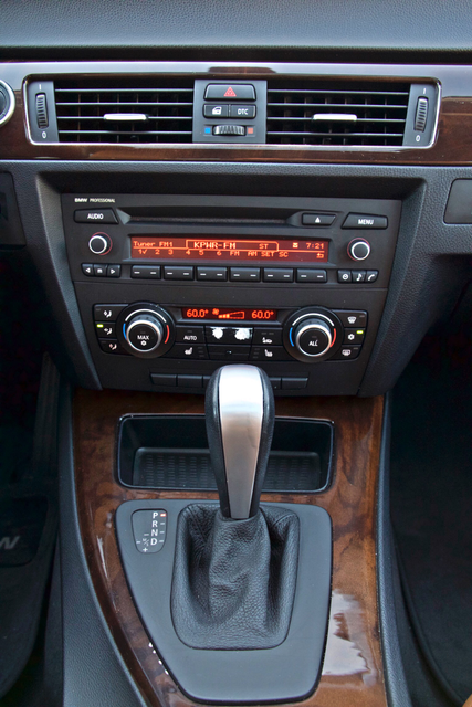 2011 BMW 328i SEDAN PREMIUM PKG ONLY 78K MLS AUTO SERVICE RECORDS Woodland Hills, CA 22