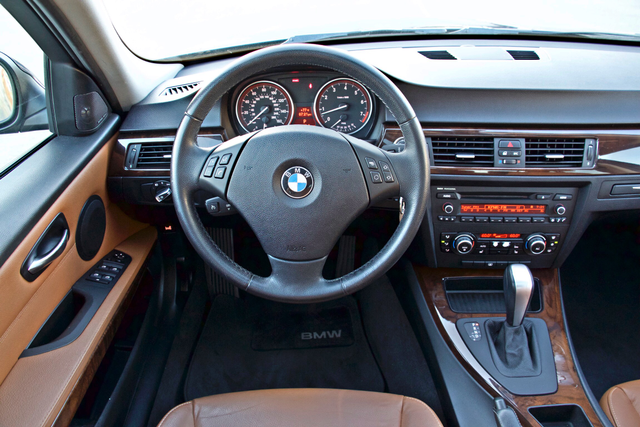 2011 BMW 328i SEDAN PREMIUM PKG ONLY 78K MLS AUTO SERVICE RECORDS Woodland Hills, CA 21