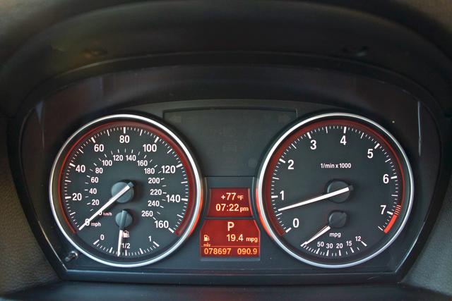 2011 BMW 328i SEDAN PREMIUM PKG ONLY 78K MLS AUTO SERVICE RECORDS Woodland Hills, CA 16