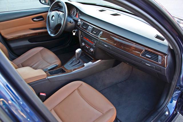 2011 BMW 328i SEDAN PREMIUM PKG ONLY 78K MLS AUTO SERVICE RECORDS Woodland Hills, CA 25