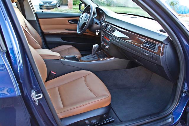 2011 BMW 328i SEDAN PREMIUM PKG ONLY 78K MLS AUTO SERVICE RECORDS Woodland Hills, CA 24
