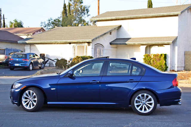 2011 BMW 328i SEDAN PREMIUM PKG ONLY 78K MLS AUTO SERVICE RECORDS Woodland Hills, CA 2