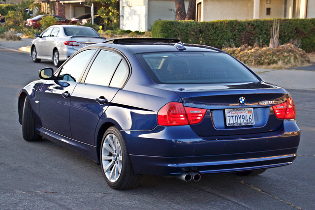 2011 BMW 328i SEDAN PREMIUM PKG ONLY 78K MLS AUTO SERVICE RECORDS Woodland Hills, CA 3