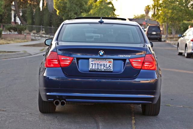 2011 BMW 328i SEDAN PREMIUM PKG ONLY 78K MLS AUTO SERVICE RECORDS Woodland Hills, CA 4