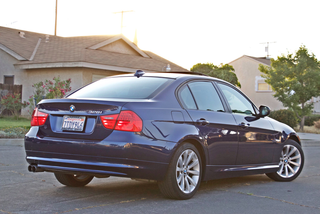 2011 BMW 328i SEDAN PREMIUM PKG ONLY 78K MLS AUTO SERVICE RECORDS Woodland Hills, CA 5
