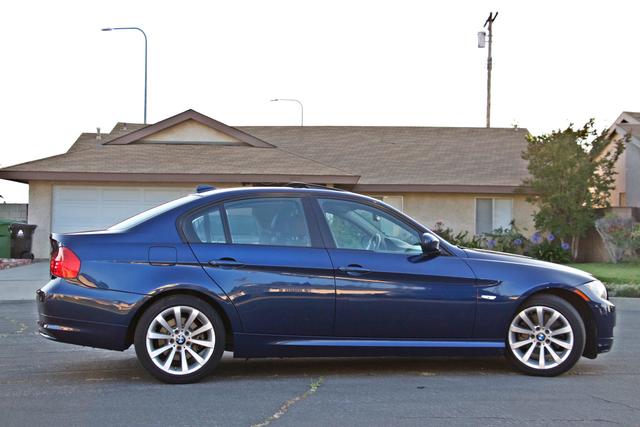 2011 BMW 328i SEDAN PREMIUM PKG ONLY 78K MLS AUTO SERVICE RECORDS Woodland Hills, CA 6