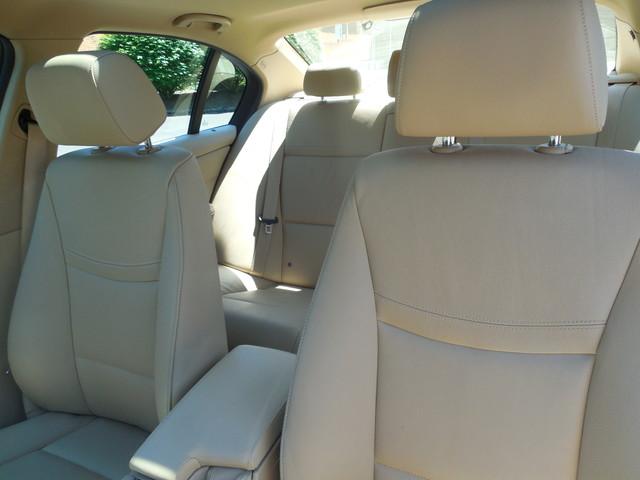 2011 BMW 328i xDrive SULEV Leesburg, Virginia 8