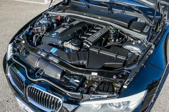 2011 BMW 328i xDrive AWD - AUTO - PREMIUM - NAVI - HTD STS Reseda, CA 38