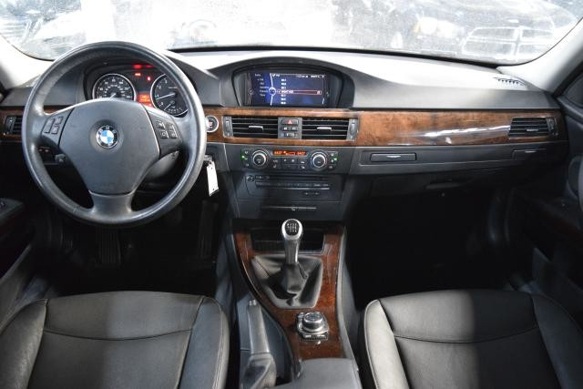 2011 BMW 328i xDrive 4dr Sdn 328i xDrive AWD Richmond Hill, New York 25