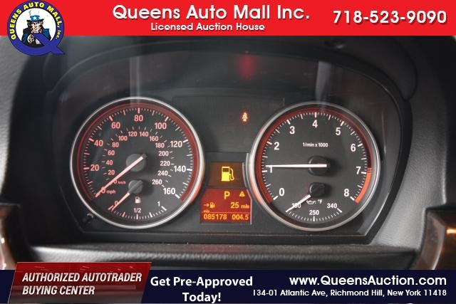 2011 BMW 328i xDrive 2dr Cpe 328i xDrive AWD SULEV Richmond Hill, New York 11
