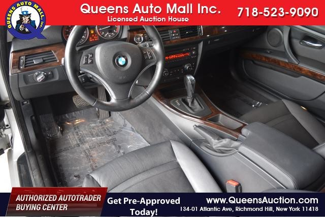 2011 BMW 328i xDrive 2dr Cpe 328i xDrive AWD SULEV Richmond Hill, New York 13