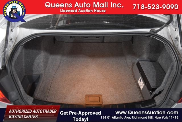 2011 BMW 328i xDrive 2dr Cpe 328i xDrive AWD SULEV Richmond Hill, New York 14