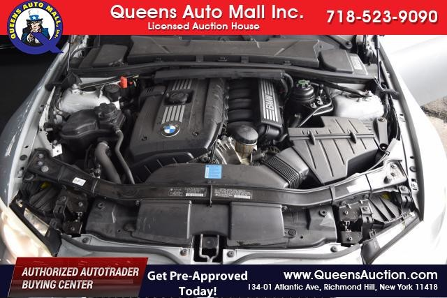 2011 BMW 328i xDrive 2dr Cpe 328i xDrive AWD SULEV Richmond Hill, New York 15
