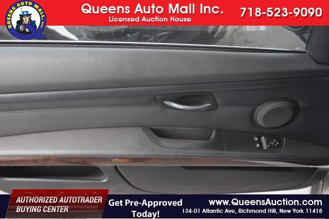 2011 BMW 328i xDrive 2dr Cpe 328i xDrive AWD SULEV Richmond Hill, New York 5