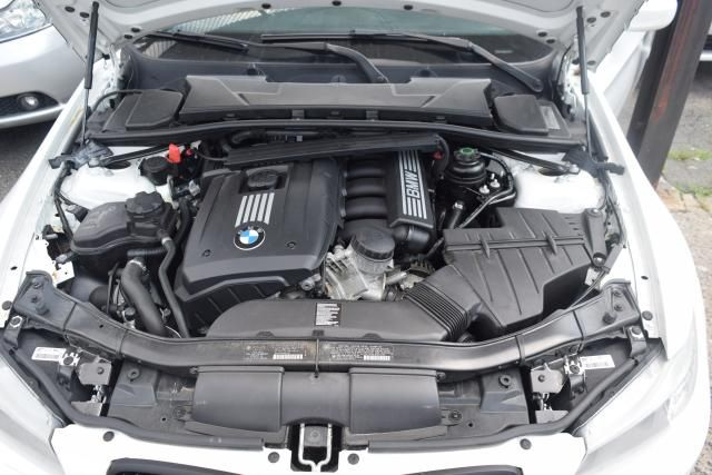 2011 BMW 328i xDrive 4dr Sdn 328i xDrive AWD SULEV Richmond Hill, New York 17