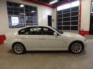 2011 Bmw 328 Xdrive, Low MILE STUNNINGLY SHARP, LIKE NEW INTERIOR Saint Louis Park, MN 1