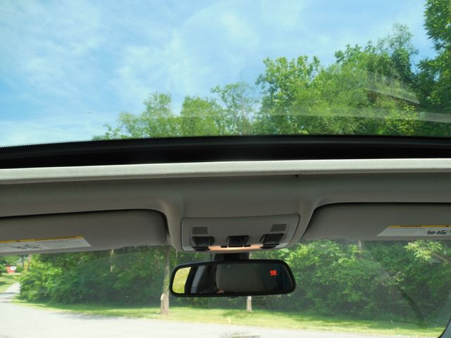 2011 BMW 335i xDrive 6-Speed Manual SPORT/PREMIUM/NAVIGATION Leesburg, Virginia 11