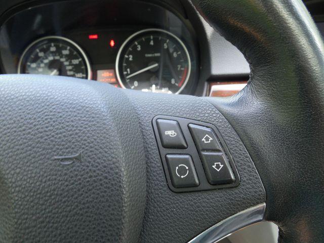 2011 BMW 335i xDrive 6-Speed Manual SPORT/PREMIUM/NAVIGATION Leesburg, Virginia 17
