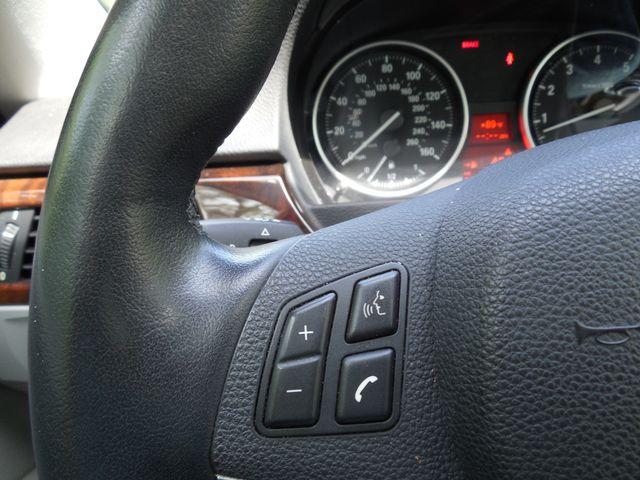 2011 BMW 335i xDrive 6-Speed Manual SPORT/PREMIUM/NAVIGATION Leesburg, Virginia 18