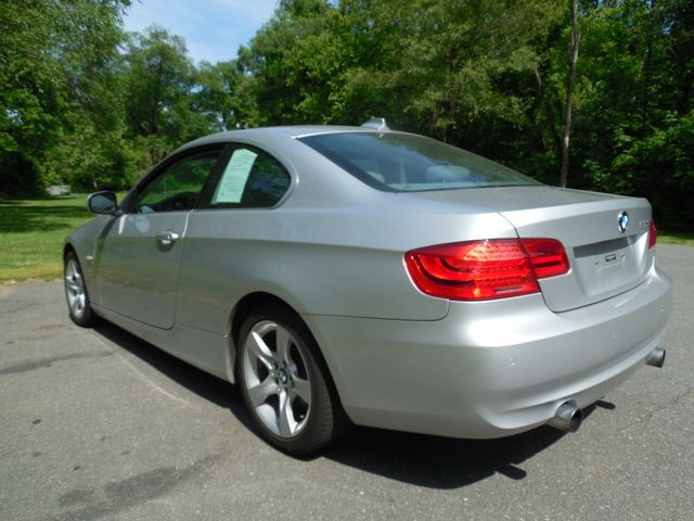 2011 BMW 335i xDrive 6-Speed Manual SPORT/PREMIUM/NAVIGATION Leesburg, Virginia 3