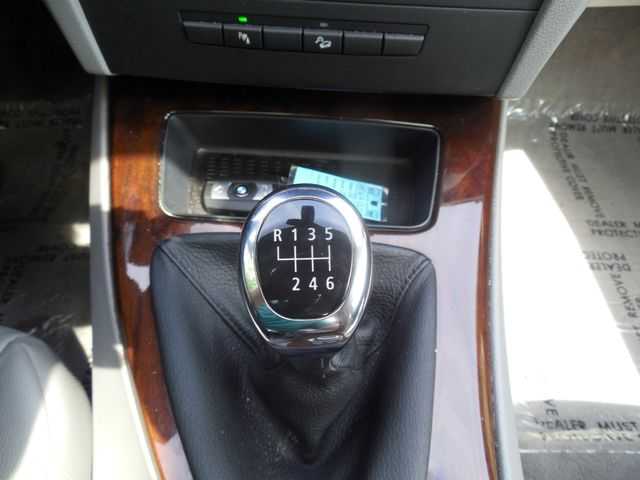 2011 BMW 335i xDrive 6-Speed Manual Leesburg, Virginia 23