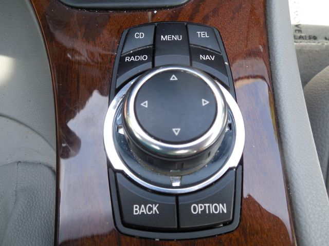 2011 BMW 335i xDrive 6-Speed Manual SPORT/PREMIUM/NAVIGATION Leesburg, Virginia 27