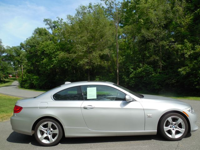 2011 BMW 335i xDrive 6-Speed Manual SPORT/PREMIUM/NAVIGATION Leesburg, Virginia 8