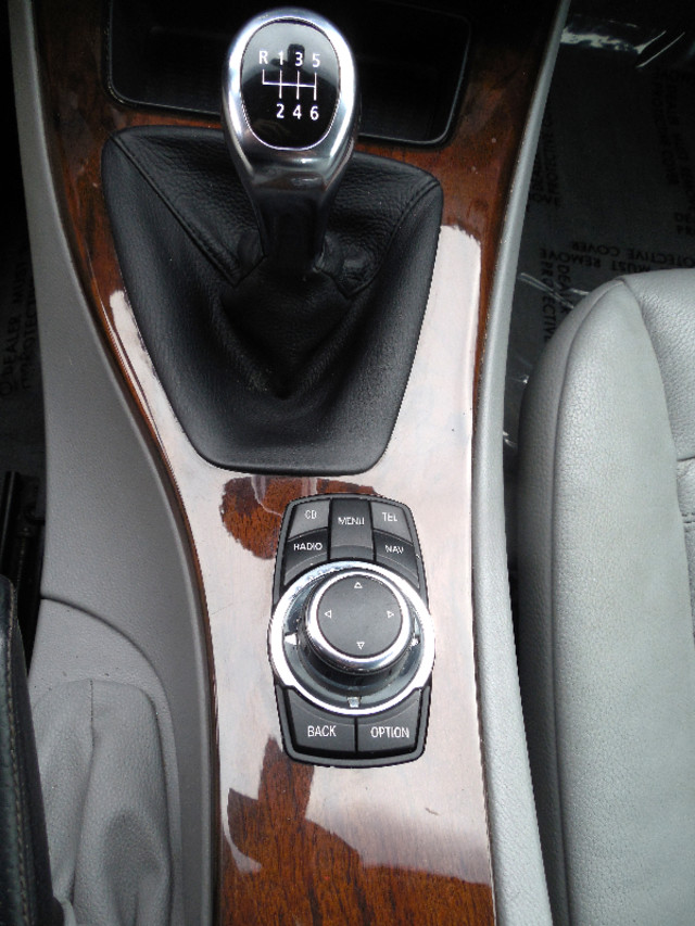 2011 BMW 335i xDrive 6-Speed Manual SPORT/PREMIUM/NAVIGATION Leesburg, Virginia 20
