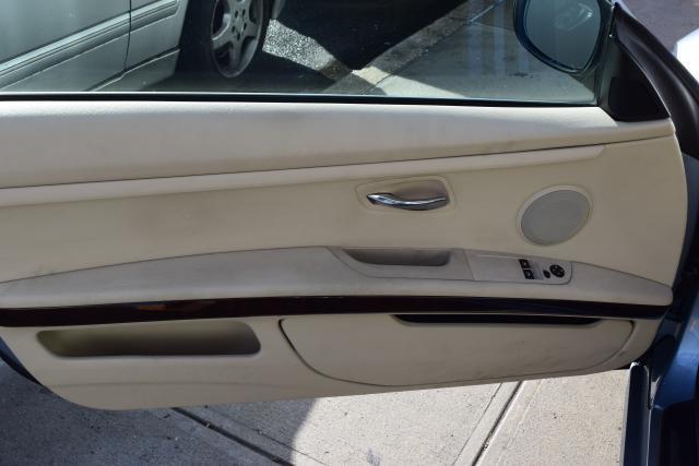 2011 BMW 335i xDrive 2dr Cpe 335i xDrive AWD Richmond Hill, New York 5