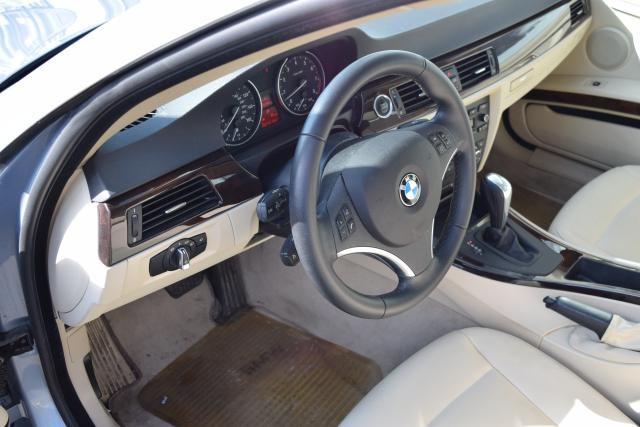 2011 BMW 335i xDrive 2dr Cpe 335i xDrive AWD Richmond Hill, New York 7