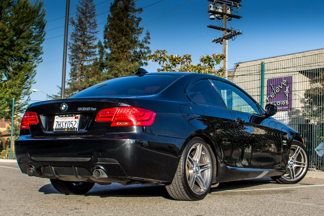 2011 BMW 335is  DUAL CLUTCH - 71K MILES - XENON - HTD STS Reseda, CA 9