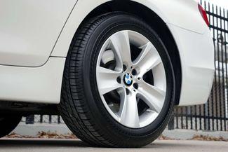 2011 BMW 528i 1-OWNER * Navigation * Sunroof * Cold Weather Pkg Plano, Texas 33