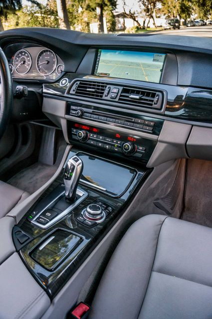 2011 BMW 528i  NAVI - PREMIUM - 102K MILES Reseda, CA 20
