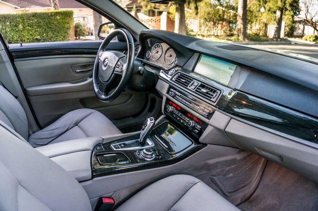 2011 BMW 528i  NAVI - PREMIUM - 102K MILES Reseda, CA 32