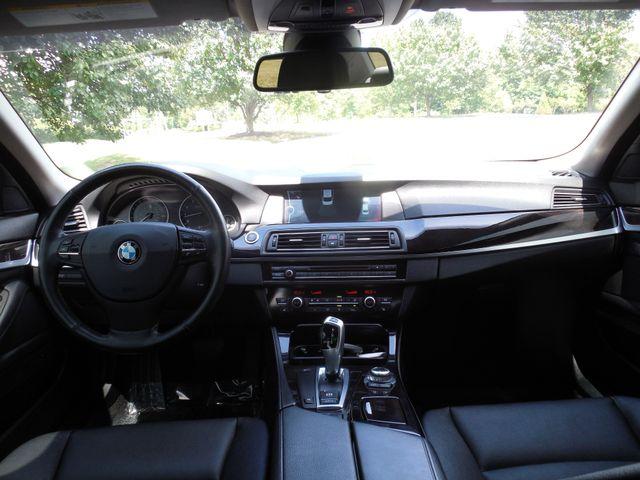 2011 BMW 550i Leesburg, Virginia 16