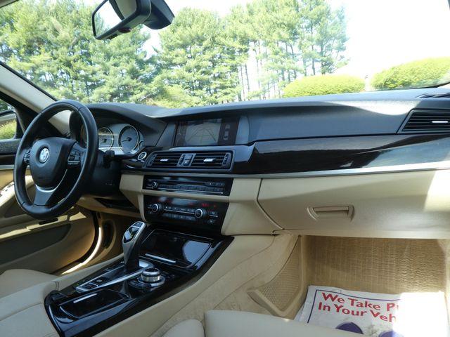 2011 BMW 550i Leesburg, Virginia 14