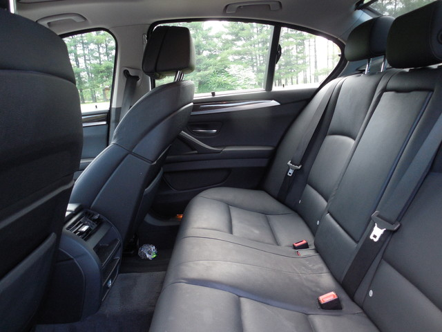 2011 BMW 550i xDrive Leesburg, Virginia 11