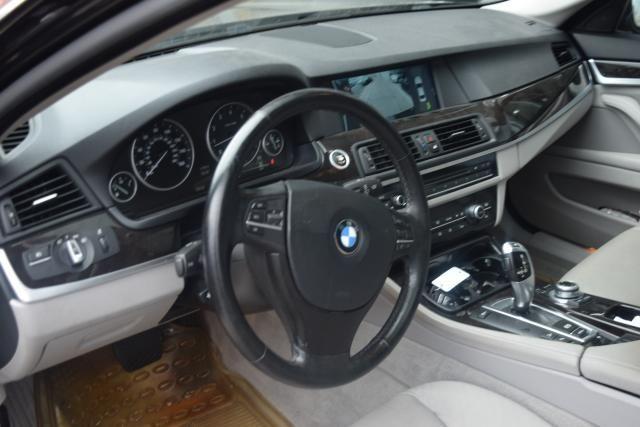2011 BMW 550i xDrive 4dr Sdn 550i xDrive AWD Richmond Hill, New York 11